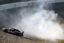 Race winner Brad Keselowski, Phoenix Racing Chevrolet celebrates