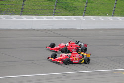 Graham Rahal Newman/Haas/Lanigan Racing et Robert Doornbos prennent la tête