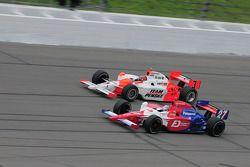 Hideki Mutoh, Andretti Green Racing runs with Helio Castroneves, Penske Racing