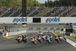 Start: Valentino Rossi, Fiat Yamaha Team leads the field