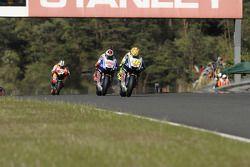 Valentino Rossi, Fiat Yamaha Team leads Jorge Lorenzo, Fiat Yamaha Team and Dani Pedrosa, Repsol Honda Team