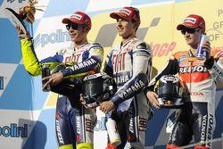 Podium: Sieger Jorge Lorenzo, Fiat Yamaha Team; 2. Valentino Rossi, Fiat Yamaha Team; 3. Dani Pedros