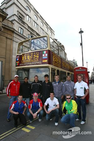 Les pilotes d'A1GP font un tour à Londres