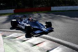 Bill Coombs (GB) Tyrrell 009-01 N°33, Startline Racing (1979)