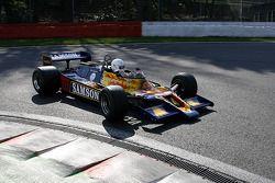 Мишель Бодуан за рулем Shadow DN9, Ecurie Griffiths (ранее этот автомобиль пилотировал Ян Ламмерс)