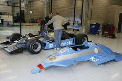 John Svenson of JRT, Terry Sayles (GB) Osella FA1-D N°32