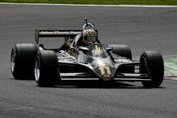 #11 Dan Collins (GB) Lotus 91-10, Classic Team Lotus (1982)