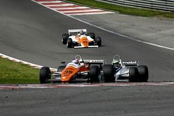 Andy Meyrick (GB) Arrows A5-1 N°39, AMR Racing (1982) ; Joaquin Folch (E) Brabham BT49C-10 N°7, Kums