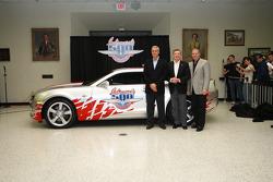 500 Miles d'Indianapolis 2009, présentation de la Chevrolet Camaro pace car pour 2010 : les vainqueu