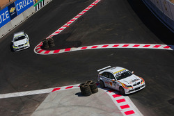 Sergio Hernandez, BMW Team Italy-Spain, BMW 320si et Augusto Farfus, BMW Team Germany, BMW 320si