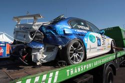 Vito Postiglione, Scuderia Proteam Motorsport s'accidente lors de la première séance