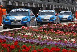 Robert Huff, Chevrolet, Chevrolet Cruze, Alain Menu, Chevrolet, Chevrolet Cruze et Nicola Larini, Chevrolet, Chevrolet Cruze