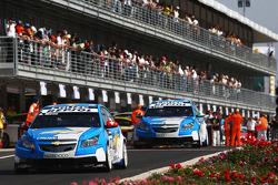 Alain Menu, Chevrolet, Chevrolet Cruze and Nicola Larini, Chevrolet, Chevrolet Cruze