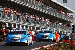 Robert Huff, Chevrolet, Chevrolet Cruze and Nicola Larini, Chevrolet, Chevrolet Cruze