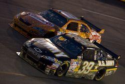 Ryan Newman, Stewart-Haas Racing Chevrolet, Kyle Busch, Joe Gibbs Racing Toyota