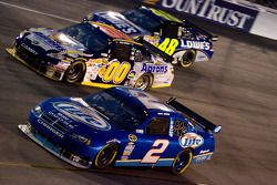 Kurt Busch, Penske Racing Dodge, David Reutimann, Michael Waltrip Racing Toyota, Jimmie Johnson, Hen