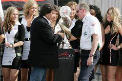 Tony Teixeira, président de l'A1GP et Mark Gallagher (Irlande)