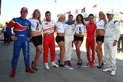 Dan Clarke (Grande Bretagne) avec Daniel Morad (Liban), Neel Jani (Suisse), Filipe Albuquerque (Portugal) et Vitantonio Liuzzi,(Italie) avec l'aide des héroïnes
