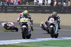 Тони Элиас, San Carlo Honda Gresini, и Юки Такахаши, Scot Racing Team MotoGP