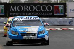 Robert Huff, Chevrolet, Chevrolet Cruze devance Gabriele Tarquini, Seat Sport, Seat Leon 2.0 TDI