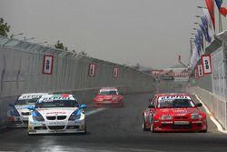 Kirill Ladygin, Lada Sport, Lada 110 2.0 dépasse George Tanev, Scuderia Proteam Motorsport, BMW 320si