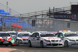 Andy Priaulx, BMW Team UK, BMW 320si et Augusto Farfus, BMW Team Germany, BMW 320si