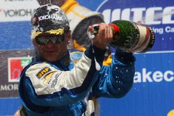 Nicola Larini, Chevrolet wins his first WTCC race