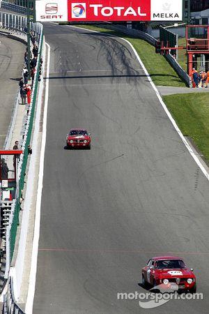 #178 Alfa Romeo 1600 GTA 1965: Halford, Sexton (NZ); #163 Alfa Romeo 1600 GTA 1965: Meier, Meier (CH)