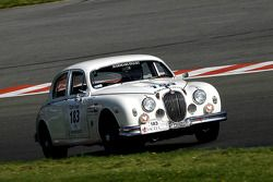 La Jaguar MK1 1959 N°183 : Le Gloahec/ Zaabel (F)