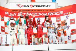 GT500 podium: class winners Satoshi Motoyama and Benoit Treluyer, second place Juichi Wakisaka and A