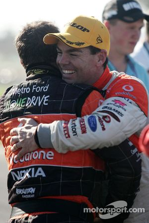 Craig Lowndes remporte la course 6 des V8 Supercars en 2009