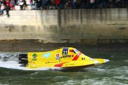 Sun Racing Team N°31 classe 2 : Marie Christine Dozias, Laurent Saïu, Samuel Poulain