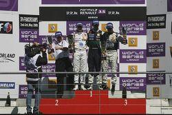 Podium : vainqueur Marcos Martinez, deuxième Bertrand Baguette, troisième Miguel Molina