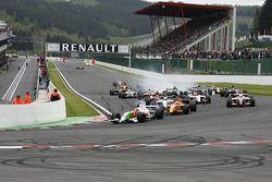 Départ: N°11 International Draco Racing: Bertrand Baguette, N°4 Ultimate Motorsport: Miguel Molina, N°5 P1 Motorsport: James Walker