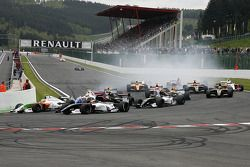 The start, #12 International Draco Racing: Marco Barba, #21 Epsilon Euskadi: Adrian Valles