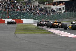 Large sortie pour la N°23 du Pons Racing (Marcos Martinez)