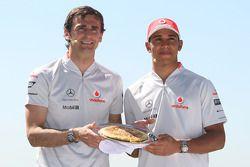 Pedro de la Rosa, Test Driver, McLaren Mercedes, Lewis Hamilton, McLaren Mercedes, cook a spanish om