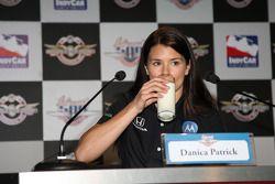 Danica Patrick est la dernière à promouvoir la campagne nationale