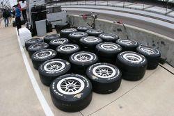 Les pneus Firestone Firehawks prêts pour les essais