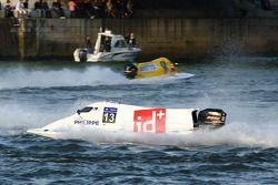 F2boat.com N°13 classe 3 : Frode Sundsdal, Dominick Thomas, Baptiste Philippe, Jean-Baptiste Thomas