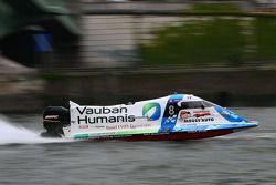 Team Vauban Humanis N°8 classe 3 : Christophe Boyard, Xavier Savin, Christophe Poulain