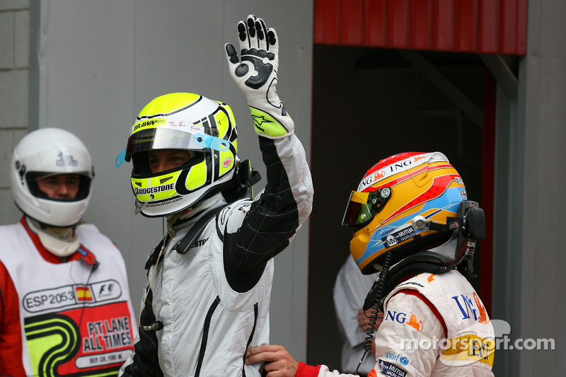 Pole winner Jenson Button, Brawn GP and Fernando Alonso, Renault F1 Team