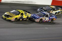 Matt Kenseth s'accroche avec Brian Scott