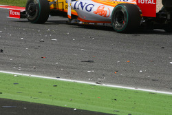 Spare parts on the track after the crash