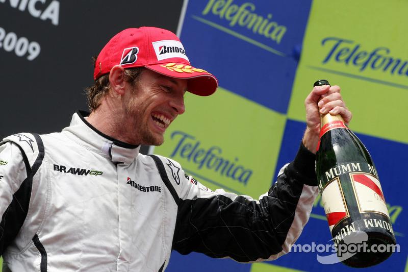 Podyum: Yarış galibi Jenson Button, Brawn GP