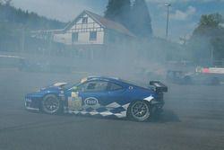 La Ferrari F430 GT N°99 (John Hartshorne, Manuel Rodrigues, Ralf Kelleners) est impliquée dans un carambolage à La Source