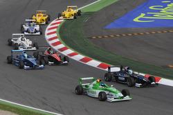 Start, Rupert Svendson-Cook Robertson Racing and Ramon Pineiro, Fisichella Motor Sport International SPA