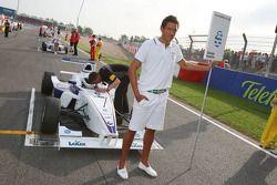 Grid boy de George Katsinis, Eifelland Racing