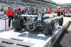 L'équipe Dreyer & Reinbold Racing de Davey Hamilton à l'inspection technique