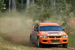 Rui Wang et Song Xiao, Reece Jones Rallysport